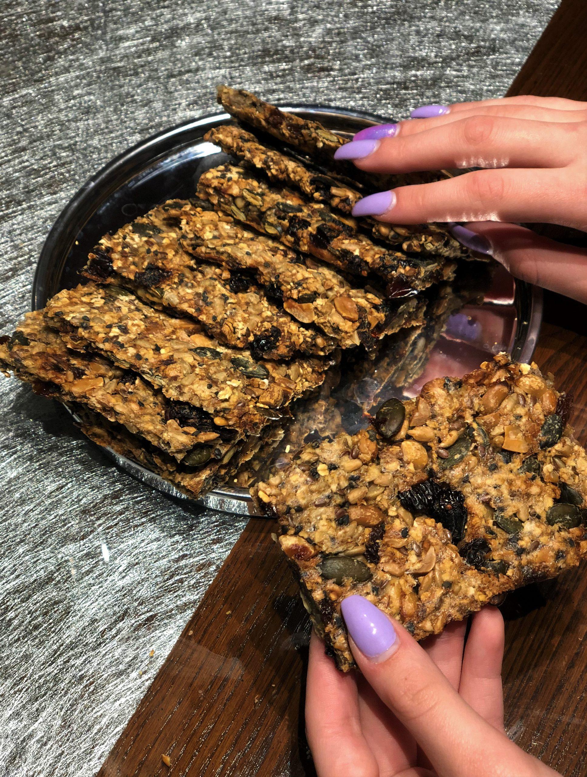 Veganski krekerji s semeni brez glutena