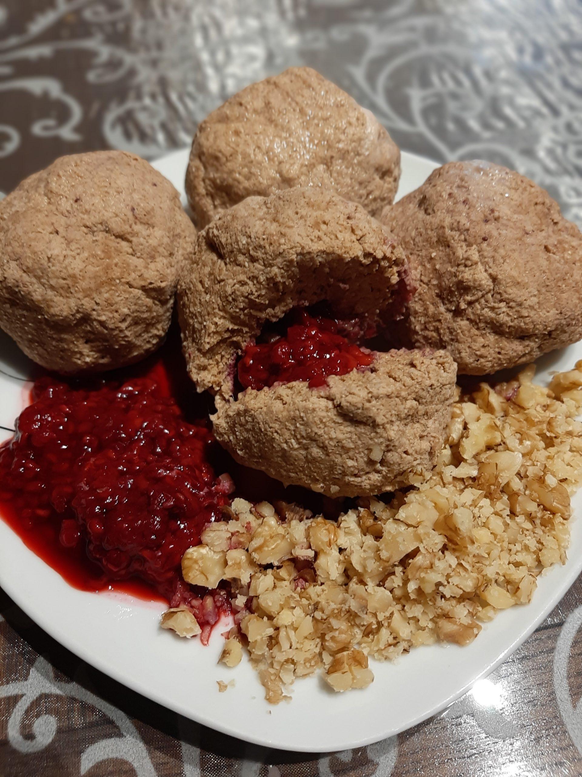 Orehovo-kokosovi cmoki brez glutena in sladkorja