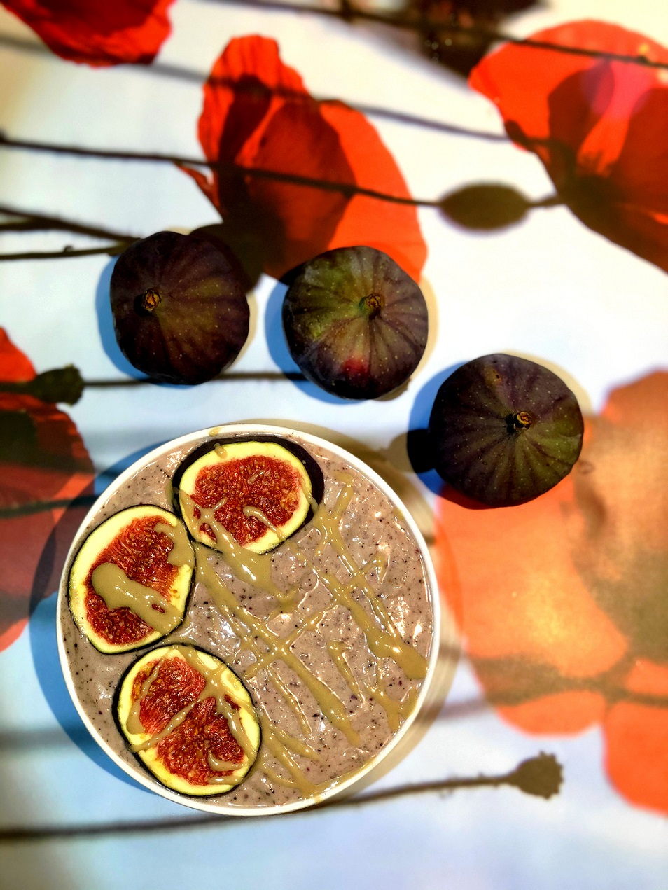 Figov beljakovinski smoothie z arašidovim maslom
