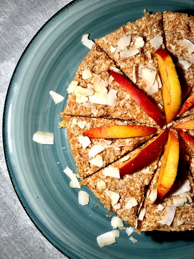 Kokosova torta z nektarinami in breskvami brez peke