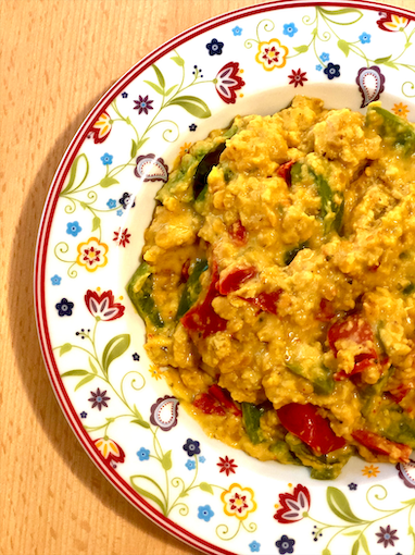Red lentils with peppers in coconut cream